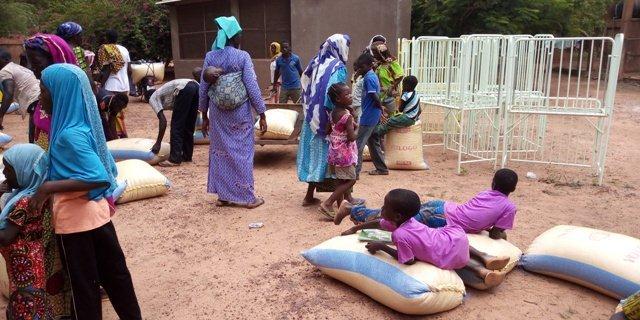 des vivres pour l'aide alimentaire des familles